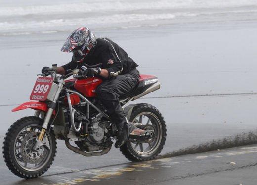 Ducati 999 Beach Racer: una superbike diventa una off-road da spiaggia - Foto 3 di 12