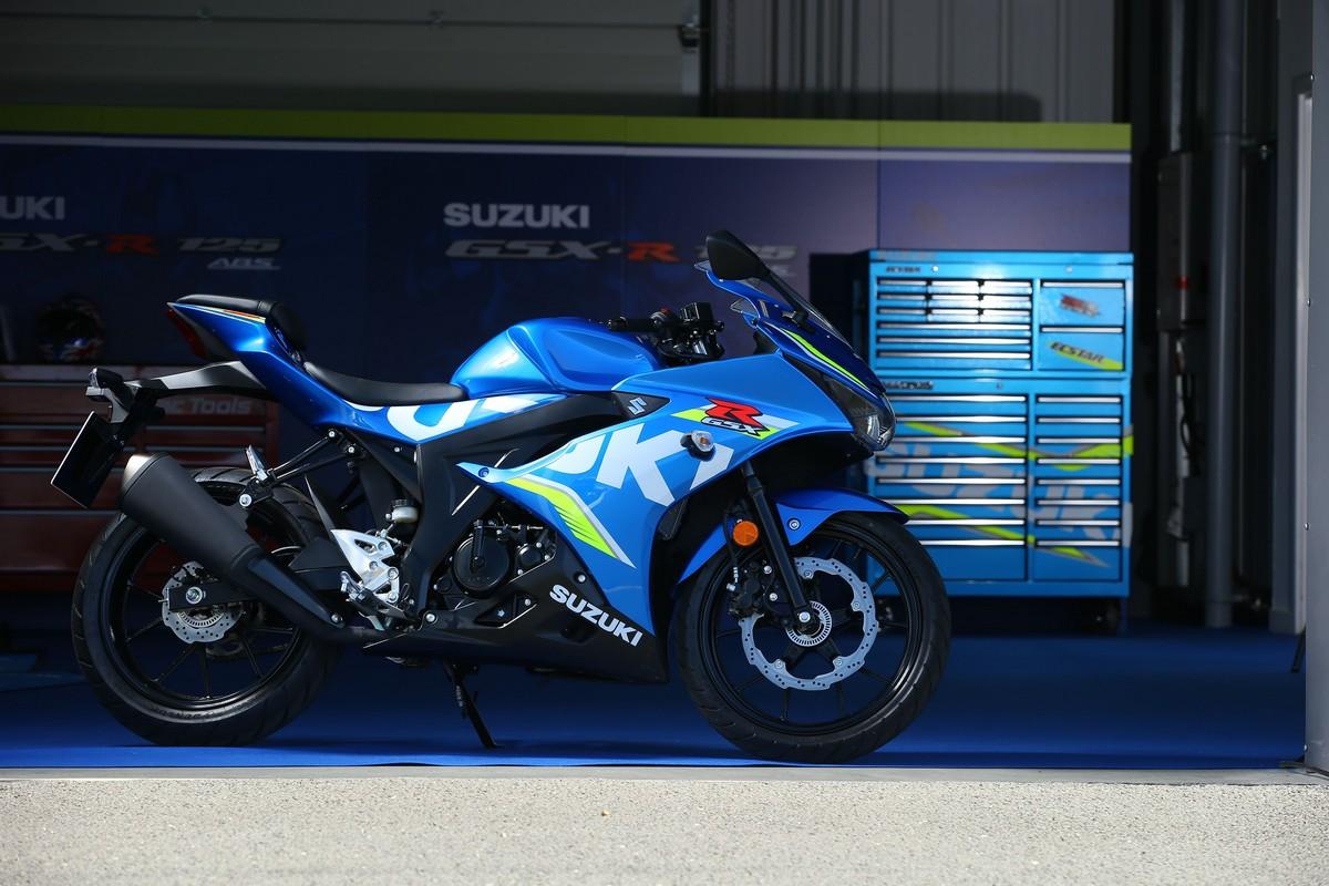 Compri Suzuki, patente in regalo - Foto 2 di 3