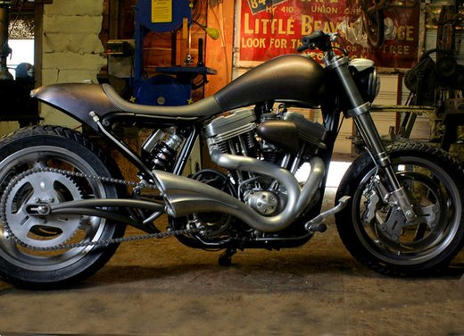 Harley Davidson XL883 Gun Baby by Cooper Smithing Company - Foto 4 di 17