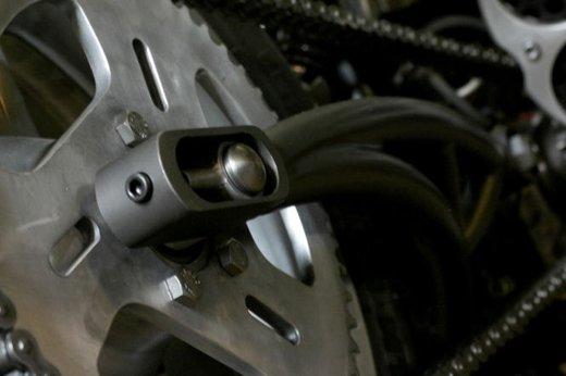 Harley Davidson XL883 Gun Baby by Cooper Smithing Company - Foto 11 di 17