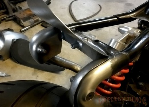 Harley Davidson XL883 Gun Baby by Cooper Smithing Company - Foto 16 di 17