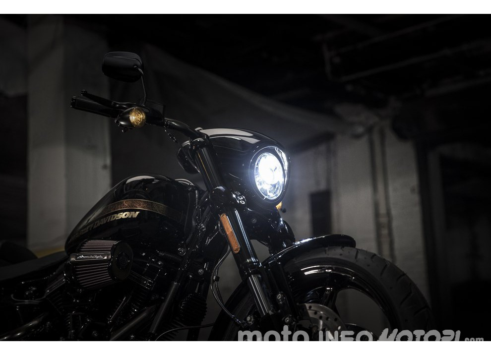 Harley Davidson CVO Pro Street Breakout 2016: stile americano al 100%