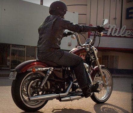 Harley Davidson Sportster Seventy-Two - Foto 15 di 27