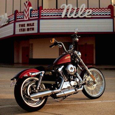 Harley Davidson Sportster Seventy-Two - Foto 17 di 27