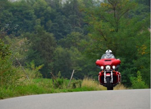 Harley-Davidson Electra Glide Ultra classic: prova su strada - Foto 3 di 33