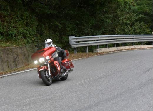 Harley-Davidson Electra Glide Ultra classic: prova su strada - Foto 21 di 33