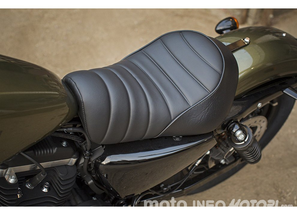 Harley-Davidson Sportster Iron 883 2016 - Foto 9 di 17