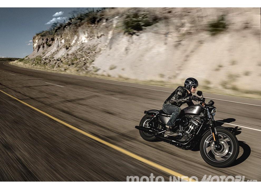 Harley-Davidson Sportster Iron 883 2016 - Foto 16 di 17