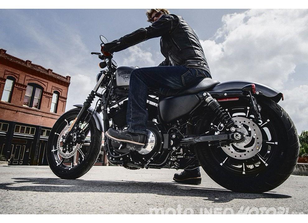 Harley-Davidson Sportster Iron 883 2016 - Foto 17 di 17
