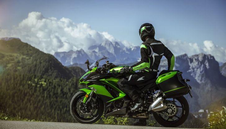 Nuova Kawasaki Z1000SX 2017: la moto da tutto e per tutto - Foto 2 di 15