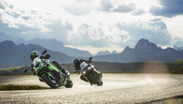 Nuova Kawasaki Z1000SX 2017: la moto da tutto e per tutto - Foto 9 di 15