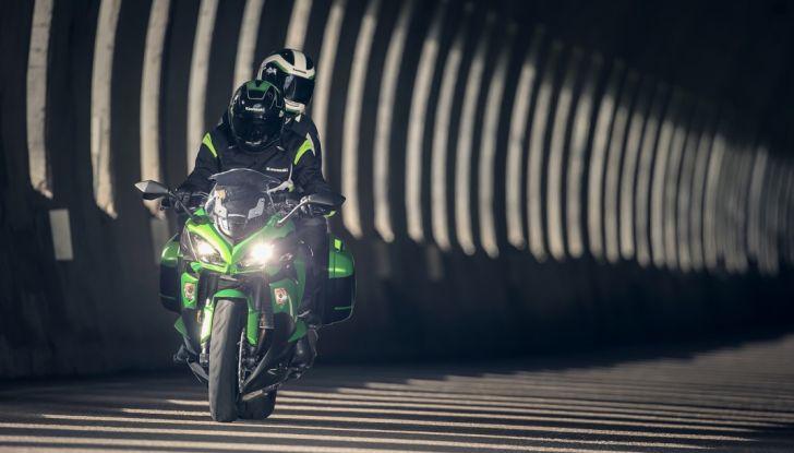 Nuova Kawasaki Z1000SX 2017: la moto da tutto e per tutto - Foto 8 di 15