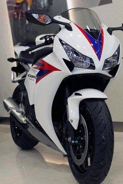 Nuova Honda CBR1000RR Fireblade - Foto 31 di 33