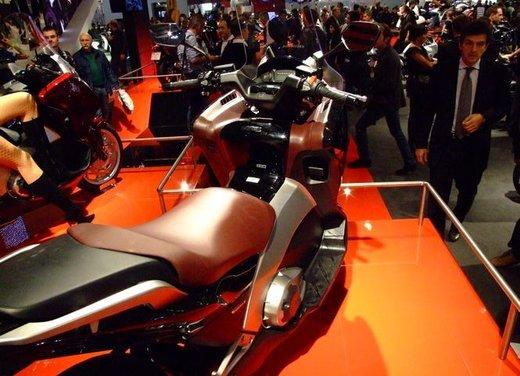Honda Integra, compreso nel prezzo il bauletto per due caschi integrali - Foto 9 di 39
