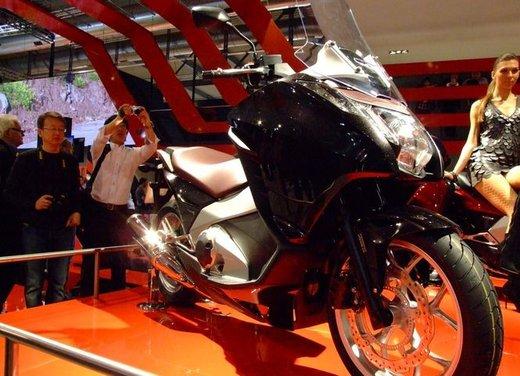 Honda Integra, compreso nel prezzo il bauletto per due caschi integrali - Foto 5 di 39