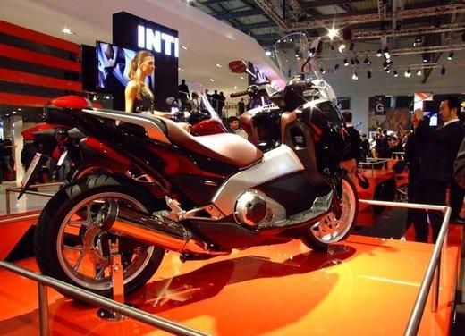 Honda Integra, compreso nel prezzo il bauletto per due caschi integrali - Foto 6 di 39