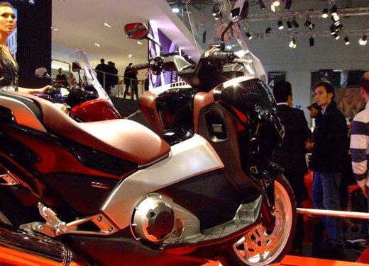 Honda Integra, compreso nel prezzo il bauletto per due caschi integrali - Foto 7 di 39