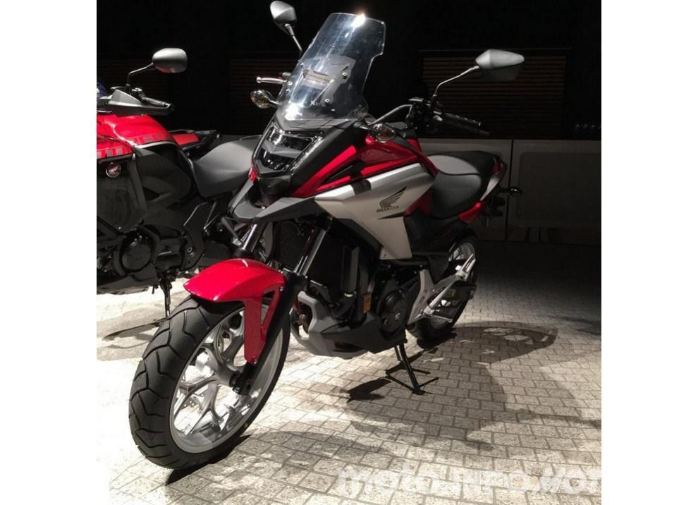 Honda NC750X 2016, la best seller si rinnova: prestazioni, consumi e prezzi