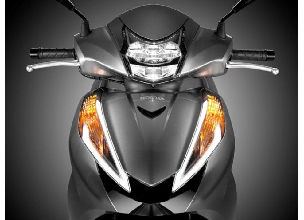 Nuovo Honda SH 300i ABS 2016 - Foto 2 di 22