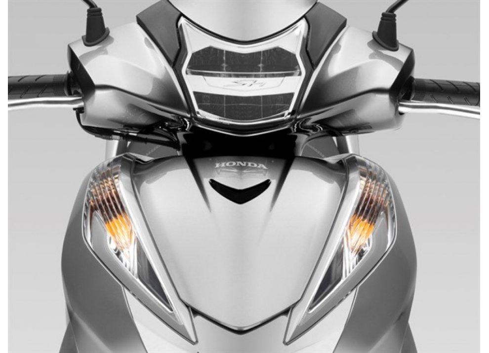 Nuovo Honda SH 300i ABS 2016 - Foto 7 di 22
