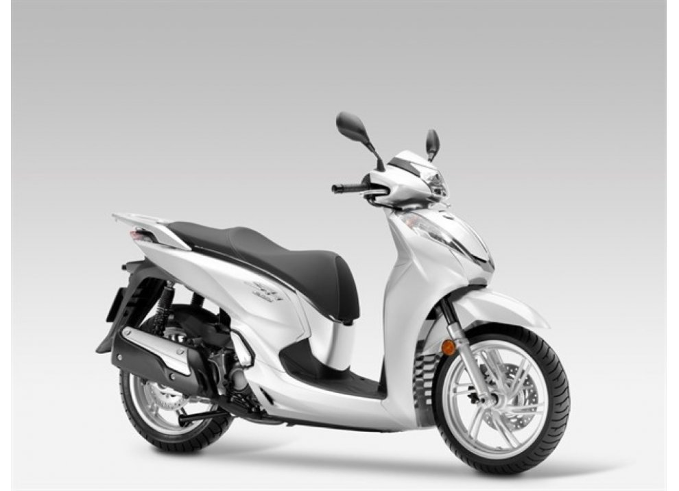 Nuovo Honda SH 300i ABS 2016 - Foto 19 di 22