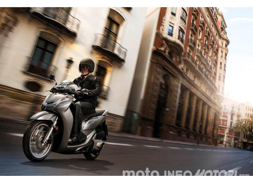 Honda SH300i ABS test ride, prestazioni e prezzi