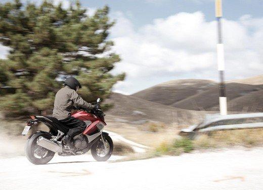 Honda Crossrunner: naked turistica - Foto 9 di 18