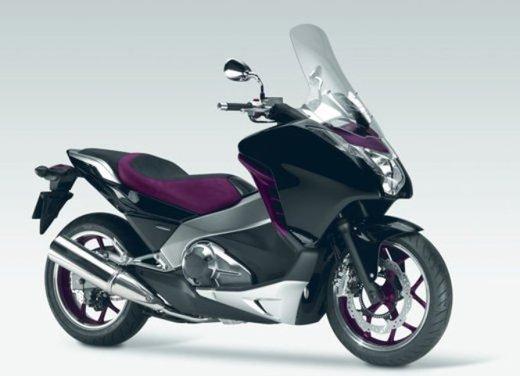 Honda Integra, compreso nel prezzo il bauletto per due caschi integrali - Foto 12 di 39