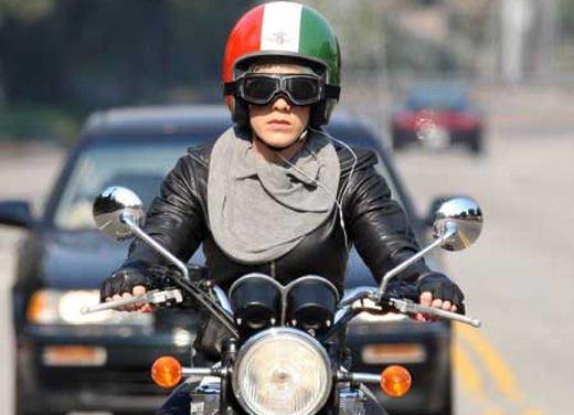 Le donne in moto più brave degli uomini - Foto 6 di 17