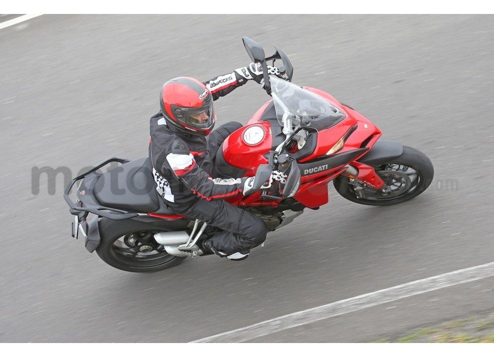 Il nuovo pneumatico Pirelli Scorpion Trail II per enduro stradali - Foto 3 di 11