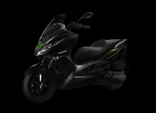 Kawasaki J300 al prezzo base  di 4.730 euro con 4 anni di garanzia e bauletto in omaggio - Foto 4 di 10
