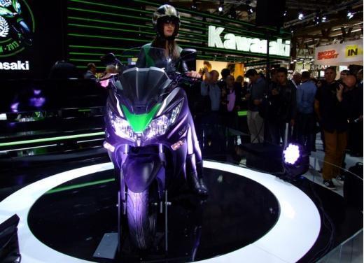 Kawasaki J300 al prezzo base  di 4.730 euro con 4 anni di garanzia e bauletto in omaggio - Foto 8 di 10
