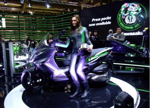 Kawasaki J300 al prezzo base  di 4.730 euro con 4 anni di garanzia e bauletto in omaggio - Foto 10 di 10
