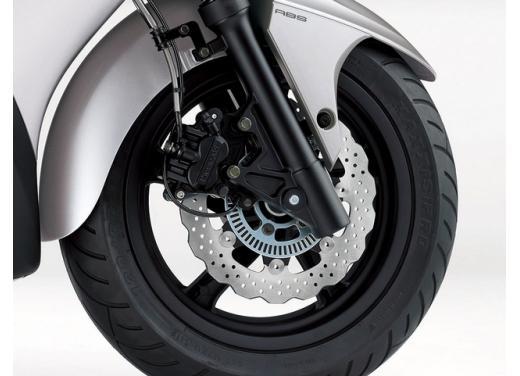 Kawasaki J300 il primo scooter della storia Kawasaki in offerta - Foto 6 di 6