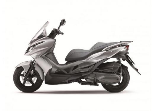 Kawasaki J300 il primo scooter della storia Kawasaki in offerta - Foto 3 di 6