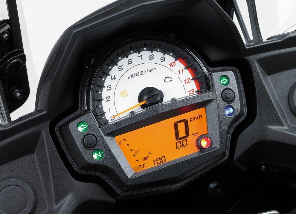 Kawasaki Versys 650 m.y. 2015: dotazione e prezzi - Foto 10 di 10
