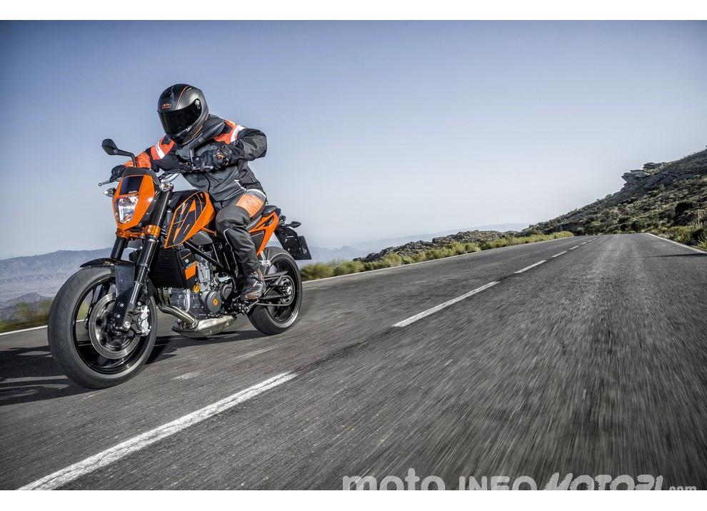 KTM 690 Duke 2016: The rage of the machine - Foto 10 di 11