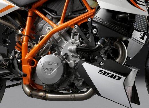 KTM 990 Super Duke R - Foto 47 di 49