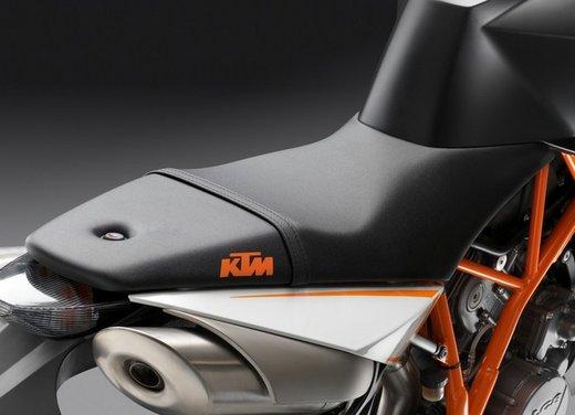 KTM 990 Super Duke R - Foto 48 di 49