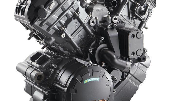 KTM 1290 Super Adventure: Prova su strada, allestimenti e prezzi - Foto 6 di 18