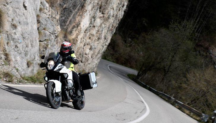 KTM 1290 Super Adventure: Prova su strada, allestimenti e prezzi - Foto 7 di 18