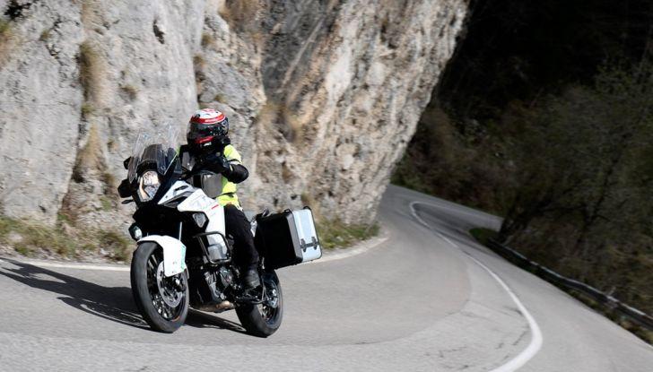 KTM 1290 Super Adventure: Prova su strada, allestimenti e prezzi - Foto 10 di 18