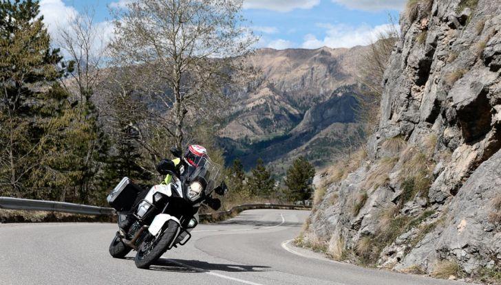 KTM 1290 Super Adventure: Prova su strada, allestimenti e prezzi - Foto 15 di 18