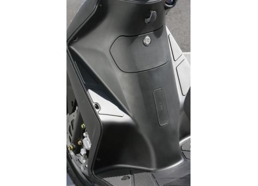Kymco Agility 125 R16, non chiamatelo scooter low cost - Foto 19 di 28
