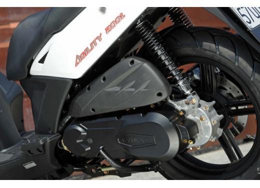 Kymco Agility 200 R16: costa (e consuma) poco ma offre tanto - Foto 5 di 16