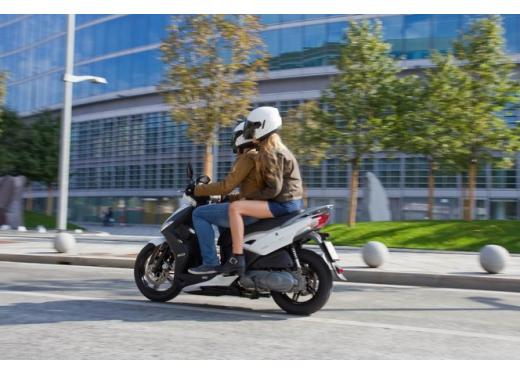 Kymco Agility R16 125 lancia la sfida a Piaggio Liberty 125 RST e Honda SH 125i - Foto 4 di 10