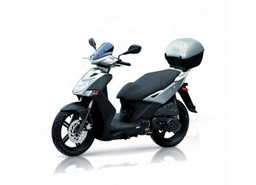 Kymco Agility R16, lo scooter low cost punta in alto - Foto 5 di 8
