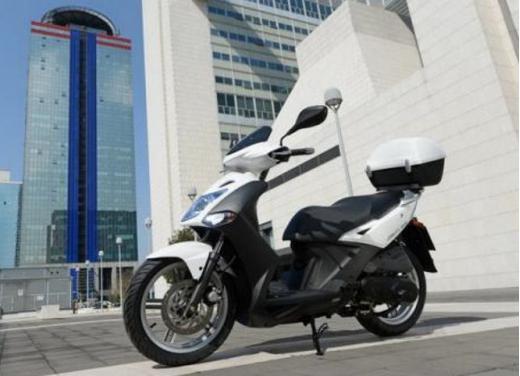 Kymco Agility R16, lo scooter low cost punta in alto - Foto 1 di 8