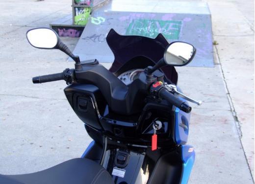 Kymco K-XCT 300i: prova su strada - Foto 36 di 40
