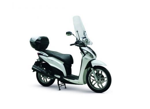 Kymco People One 125i, lo scooter da città punta su prezzo e consumi contenuti - Foto 3 di 5